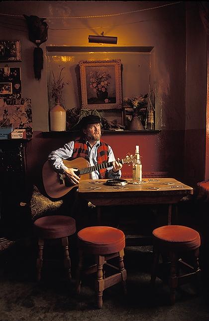 Pub Singer