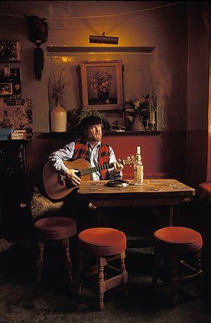 Pub Singer in Ireland