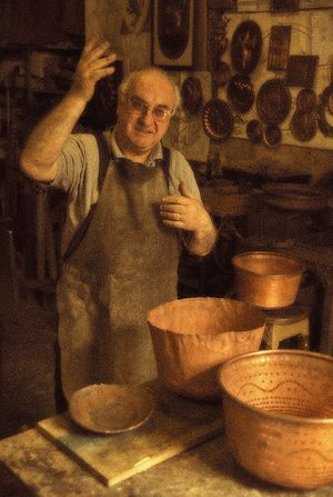 Copper artisan in Montepulciano